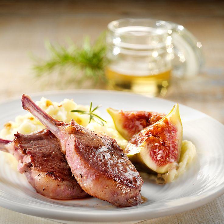 Zoek je een recept met Campina Lichte Room (20% vet)? Lam met knoflookpuree en gebakken vijgen, bereidingstijd: Tussen 15 en 30 min..