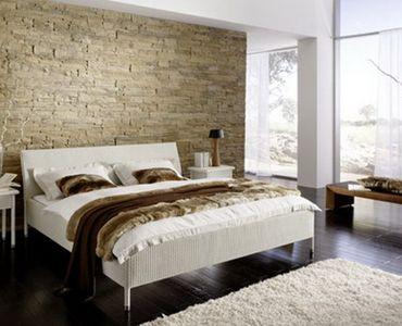 Camera da letto con parete di pietra  StoneWall  Pinterest  Cameras