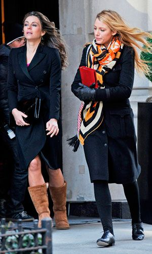 Elizabeth Hurley And Blake Lively In Matching Winter Coats On The Set Of Gossip Girl, 2012