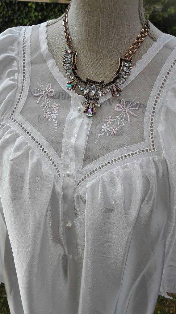 Guarda questo articolo nel mio negozio Etsy https://www.etsy.com/it/listing/276252156/camicia-da-notte-shabby-chic-vintage