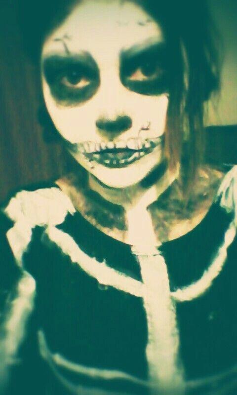 Full face skeleton halloween makeup