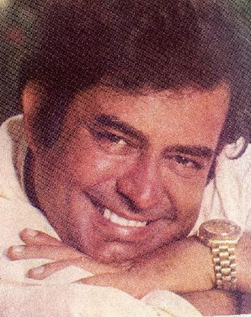 Dazzling smile and mischievous eyes - Sanjeev Kumar