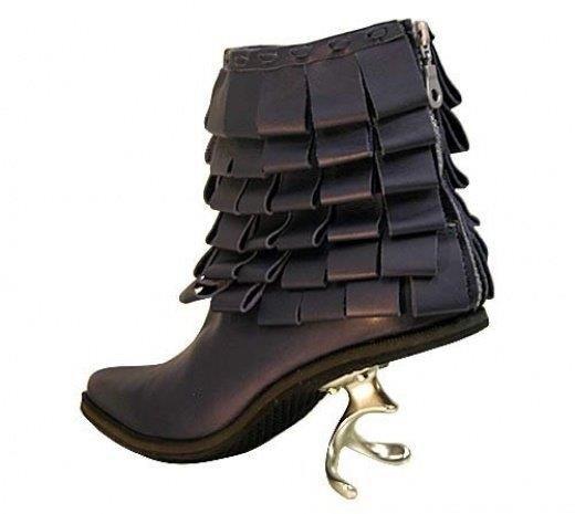 Необычная яркая обувь