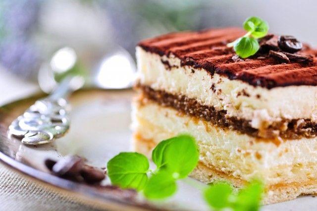 Tiramisù, tutte le ricette: la versione classica, light e vegan e con la frutta matura