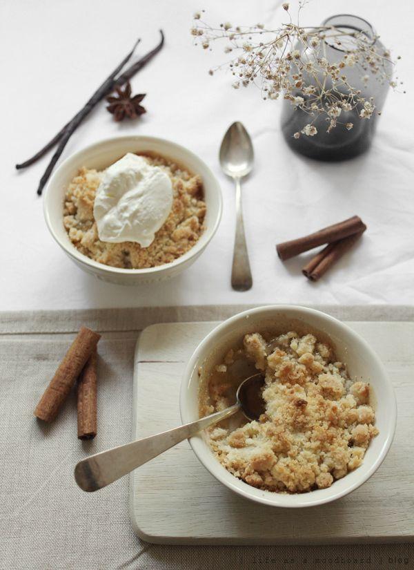 life as a moodboard: Apple Crumble | Recipe  #recipes #crumble #desserts