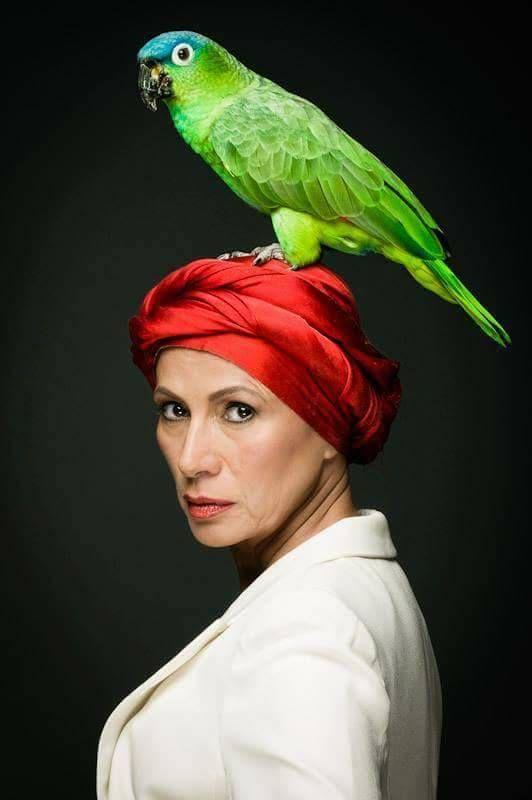 O actrita de Hollywood vine in Romania! | Radio Zuper