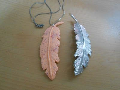 Collier feuille pêche