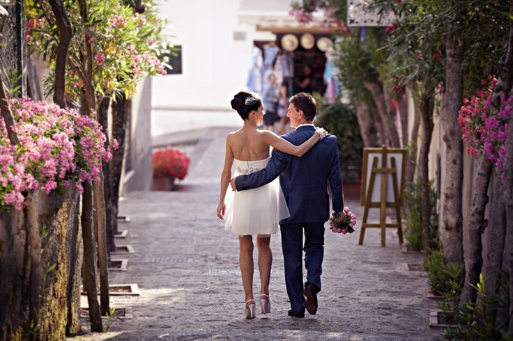 At Our Boutique Wedding we offer Boutique Wedding Planner, Marriage Places and Wedding Places around the globe. Call us now for more information.