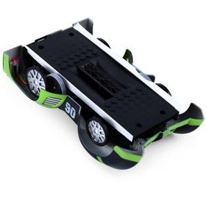 Activez le mode d'escalade, votre voiture d'escalade C1 peut courir sur le mur, comme une voiture de course cool dans le film écran-shot qui est en train de défier la gravité. C'est un mini-jouet de voiture de contrôle à distance, mais il peut faire