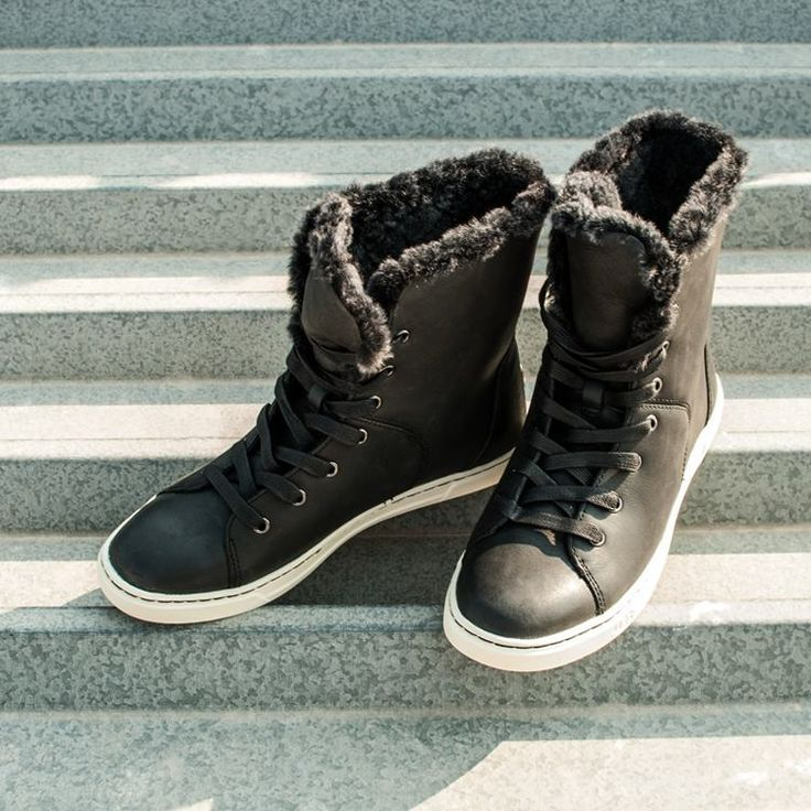 Brrrr! Beat the freeze in #UGG!