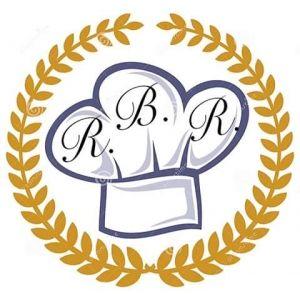 Deliziosi ravioli di grano Russello ripieni di un goloso ripieno di provola e zucchine fritte e conditi con un delicato pesto di pomodori.