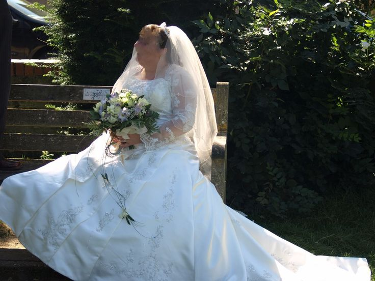 ivory wedding dress size 18 it has been cleaned £350.00 collection only | eBay