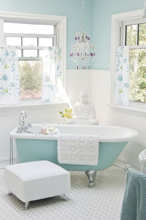A napfényben fürdő fürdő