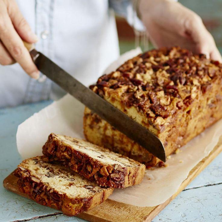 Pain-gâteau aux pommes, dulce de leche et pacanes