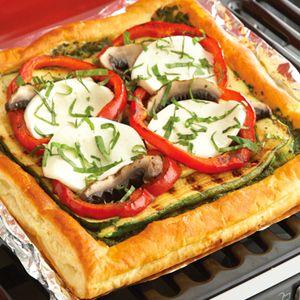 Grilled Veggie Puff Pizza: Veggiepuff Pizza, Pastries Recipes, Veggies Puff Pizza, Pizza Crusts, Grilled Veggiepuff, Pepperidg Farms, Puff Pastries, Grilled Vegetables, Grilled Veggies Puff