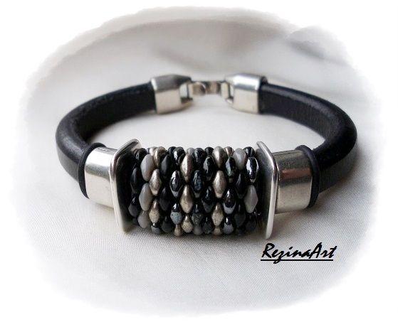 Fekete regaliz bőr kakrötő szuperduos dísszel