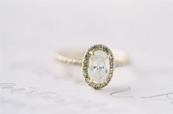 Engagement ring bling: www.stylemepretty...   Photography: Jose Villa - josevill...