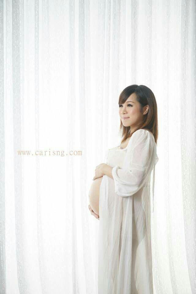 我的大肚寫真 Photographer Zebi Tsang & Ar Sai Http://www.vive-production.com Wish Production Makeup  www.carisng.com Http://www.Facebook.com/carisngwedding