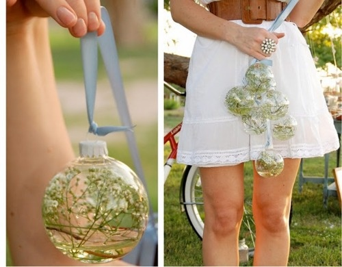 Definitely love the idea of baby's breath in christmas ornaments. It would look so beautiful hanging from anywhere really