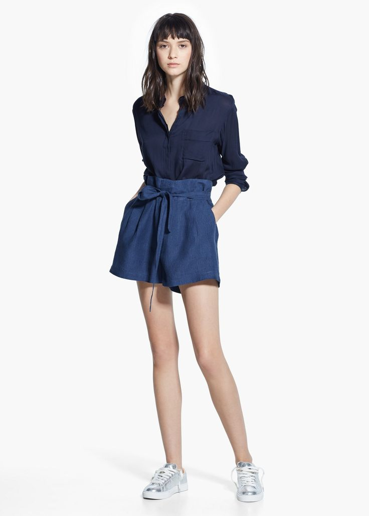 Льняные шорты с завышенной талией