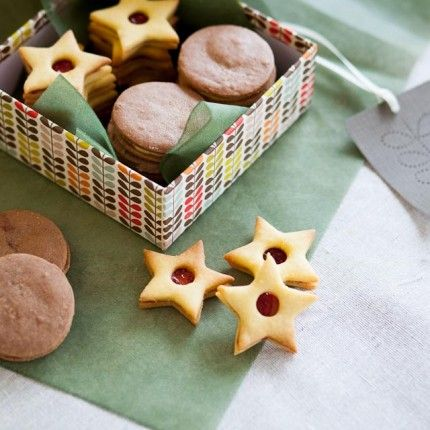 Czech Christmas Cookies – Jam Stars Recipe #baking #christmas #food