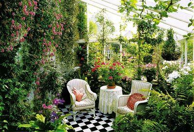Безусловно, зимний сад – это очень красиво. Если Вы твердо решили обустроить свой дом или квартиру «зеленым уголком» - тогда эта статья именно для Вас. алом. Как всем известно, зимний сад является очень сло