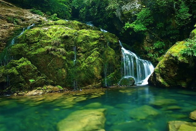 """Samcheok Waterfall by polargrape, via Flickr. """"This photo was taken on August 6, 2009 in Kangwon-Do, KR, using a Nikon D200."""""""