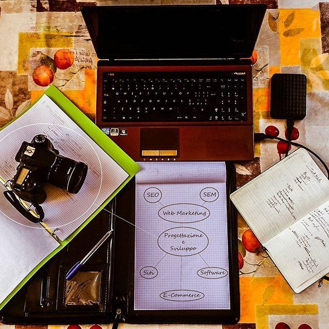 zpr Dopo mesi di preparativi, finalmente posso far conoscere la mia attività al mondo! - Visitate la mia pagina - Cliccate mi piace e condividete - Visitate il mio sito web  www.danieleagrelli.it  #progettazione #sviluppoweb #sitiinternet #ecommerce #crm #webmarketing #seo #seo #fotografia