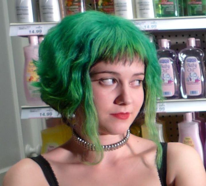 Jeg har altid drømt om at have grønt hår.. Men kan hvide piger bære det?