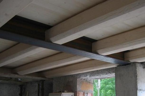 solaio legno e metallo