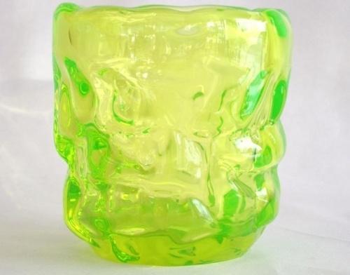 Reijmyre Uranglass made in SWEDEN Stor og annerledes! Fluoriserende h 15cm dia 14,5 etikettmerket trolig 50-60-talls