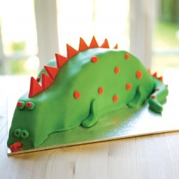 A yummy St Georges Day treat! http://www.partypieces.co.uk/special-occasions/saints-day-celebrations/make-a-dragon-dinosaur-cake-kit.html