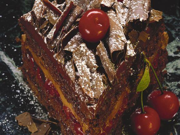 Schokotorte mit Kirschen ist ein Rezept mit frischen Zutaten aus der Kategorie Kirschkuchen. Probieren Sie dieses und weitere Rezepte von EAT SMARTER!
