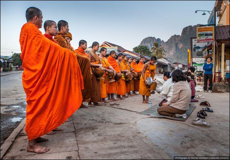 Кормление монахов - Новогодний Лаос - 2014 - Фото галерея - Форум путешественников MB-WORLD.RU