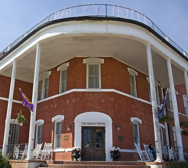 The Historic Bailey Hotel In Bunkie La Rita Motorcycle Run