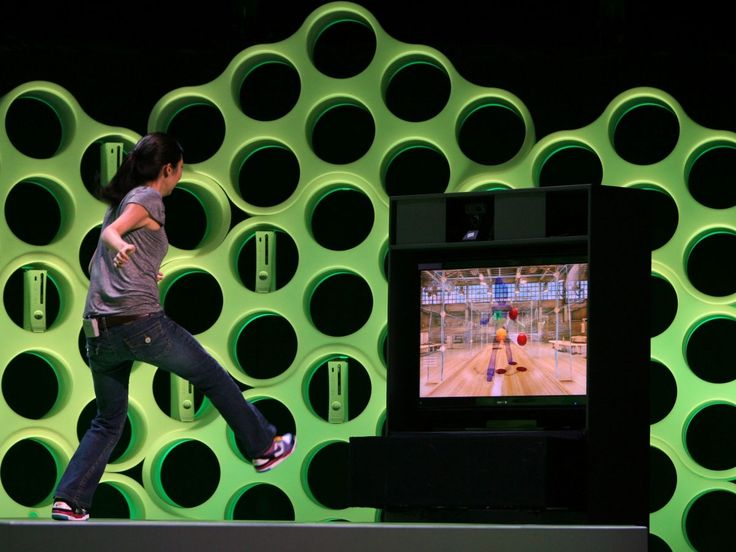 Sky Player on Xbox 360 to get Kinect support | It has been confirmed that Sky Player on the Xbox 360 will indeed work with Kinect - Microsoft's new-fangled motion controller - when it launches in the UK. Buying advice from the leading technology site
