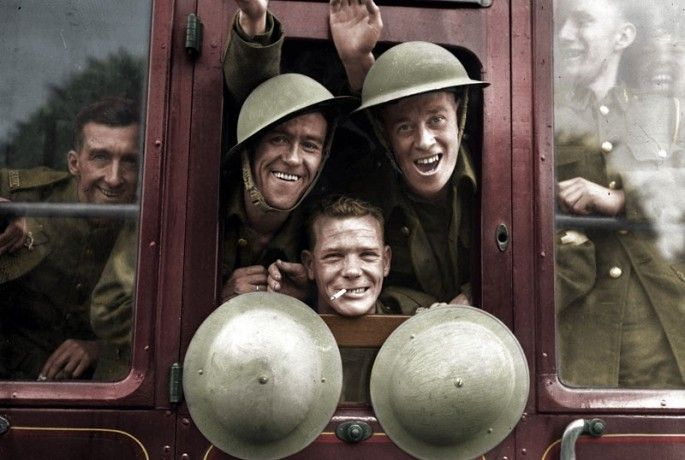 British Troops Board Their Train for the Front, 1939_  36 Realistically Colorized Historical Photos Make the Past Seem Incredibly Alive