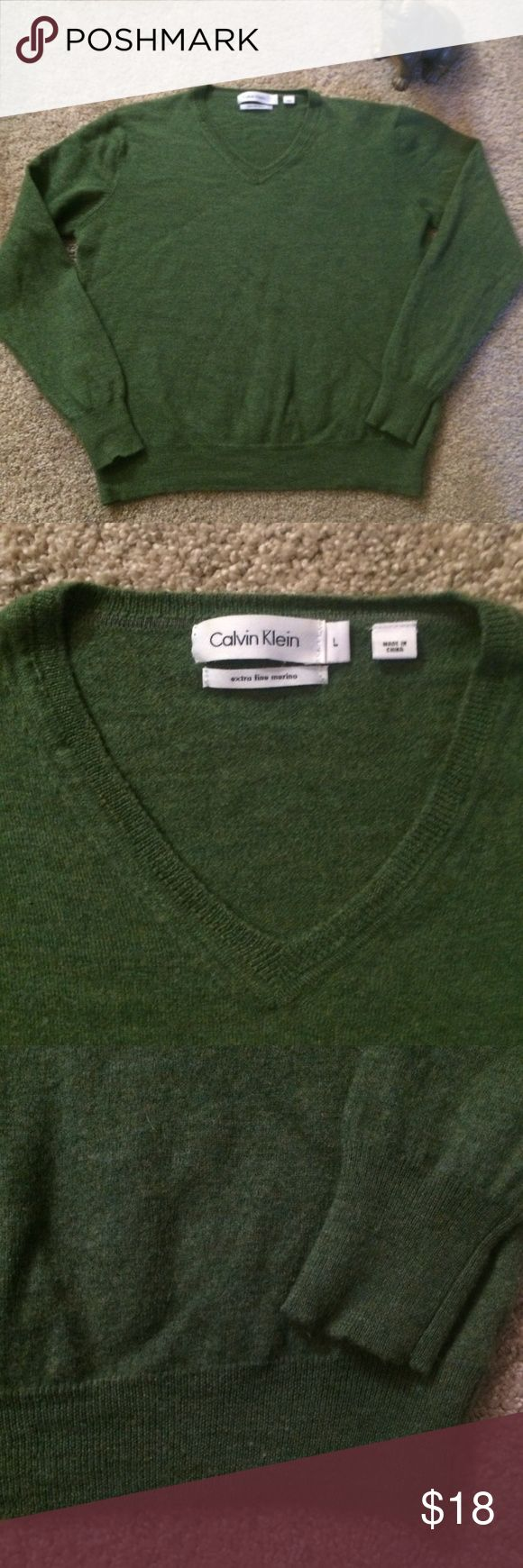 ✨ Calvin Klein merino wool leaf green v-neck ✨ Great quality! Calvin Klein 90s vintage v-neck sweater. Extra fine merino wool - so soft and fuzzy. From a smoke-free home. Perfect for work with slacks and pumps or for a night out with a statement necklace and a short skirt. Please comment with any questions or feel free to make an offer! Calvin Klein Sweaters V-Necks