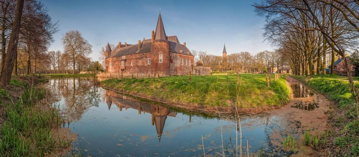 Hernen Castle by Petar Shipchanov on 500px