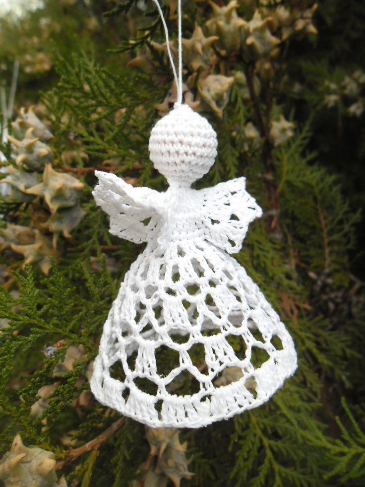 Horgolt angyalka karácsonyfa dísz