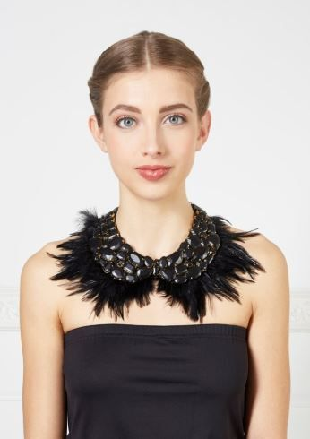 BESS collar composed of feathers, with chain fastening   Anne Fontaine