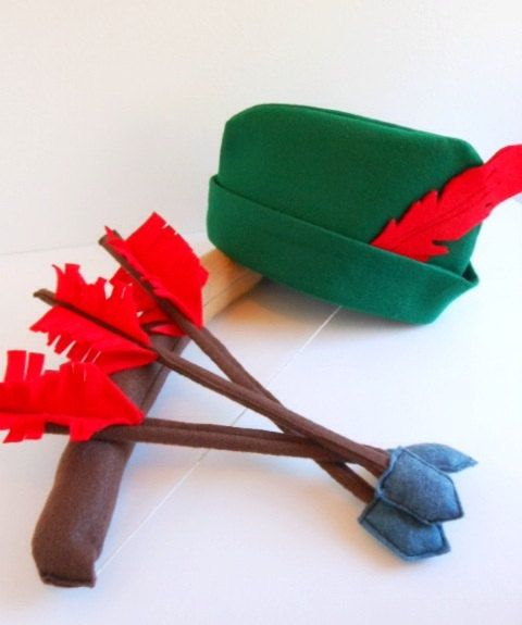 Children's Dress Up Robin Hood Set - Kids Felt Bow Arrow Hat Quiver Pretend Play Toys. $33.00, via Etsy.