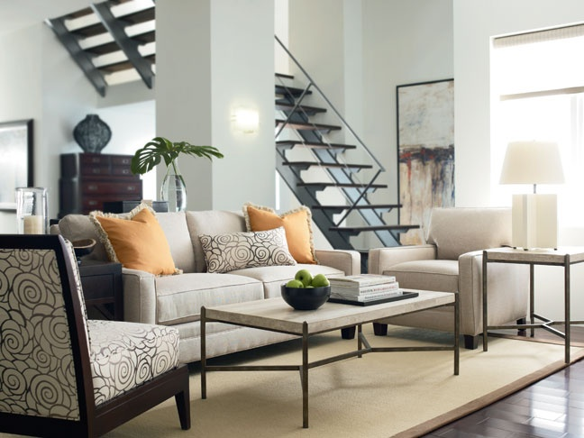 The Thomasville Mercer Chair Sofa Contribute A Refined Style To This Contemporary Living Room Find Great Furniture At West Coast