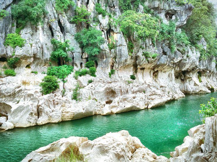 The River of Minalungao National Park #minalungaonationalpark #minalungao #fliptripph #teamfliptrip #explorephilippines #traveler #nature #river #cave #solotravel #nuevaecija