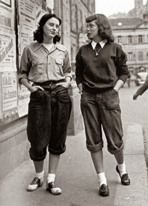 London Girls Wearing Pedal Pushers, late 1950s