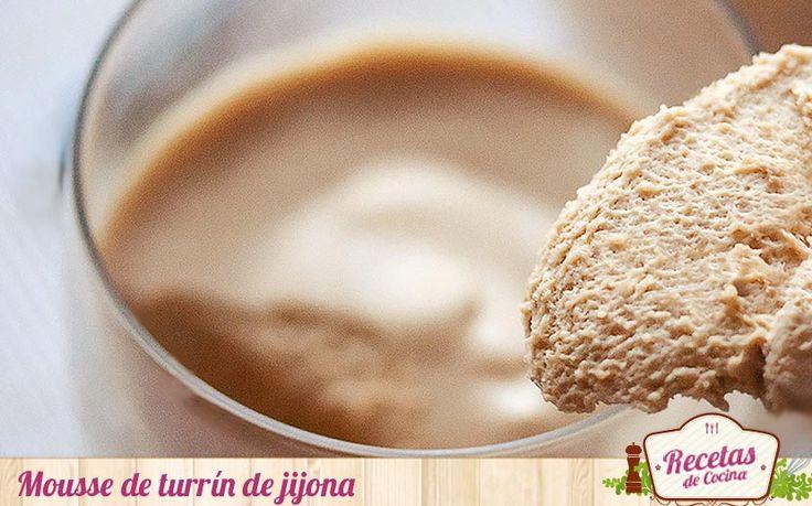 Esta mousse de turrón de Jijona os proporciona otra forma de degustar un postre tan tipico estas navidades como el turron de almendra molida y miel