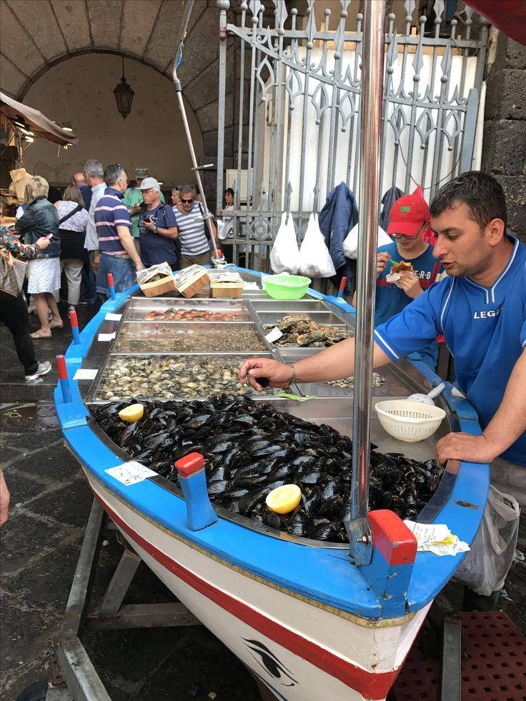 Mercato urlato del pesce - Catania -