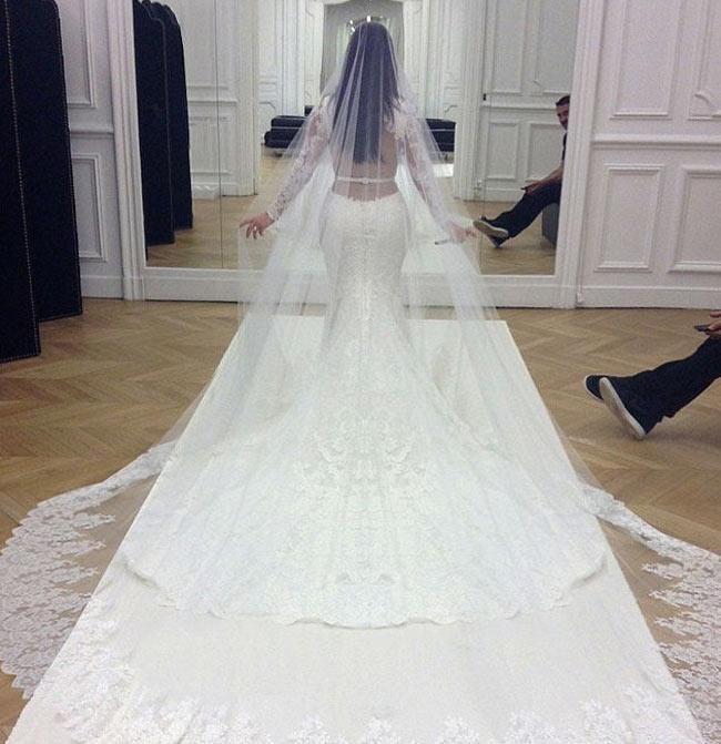 The Most Expensive Wedding Dress | Crowleydavis.com
