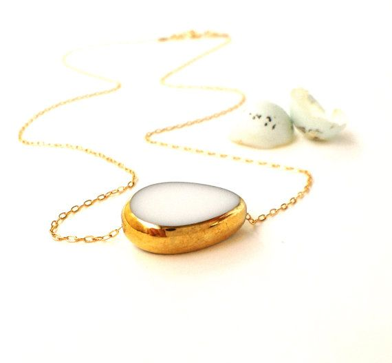 Wow den er godt nok flot! og det er der mange andre smykker der også er!