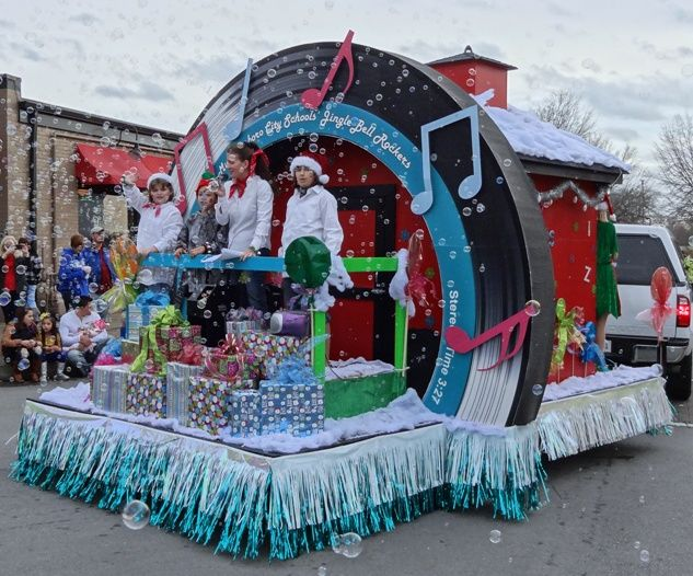 2012 Great Entries In The Annual Christmas Parade In